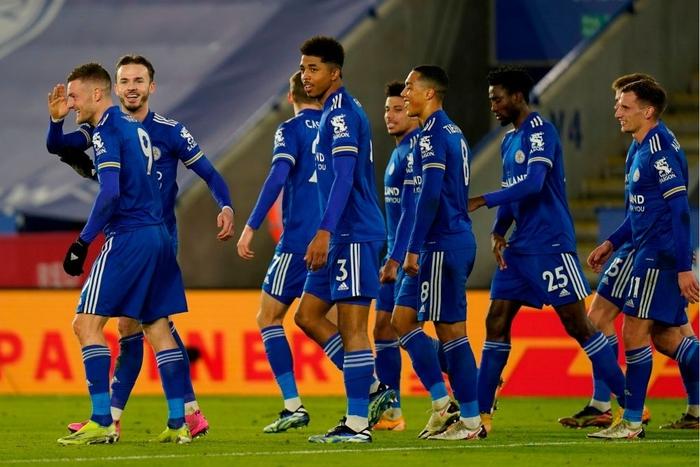 Hạ đẹp Chelsea, đội bóng của tỷ phú Thái Lan vượt MU, vươn lên ngôi đầu Ngoại hạng Anh - Ảnh 1.