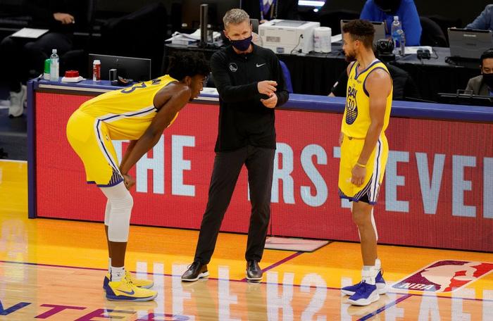 HLV trưởng Golden State Warriors cảnh báo Stephen Curry - Ảnh 3.