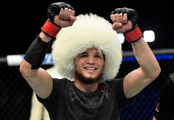 Em họ của Khabib ra mắt ấn tượng tại UFC, khóa bất tỉnh đối thủ ngay ở hiệp 2 - Ảnh 5.