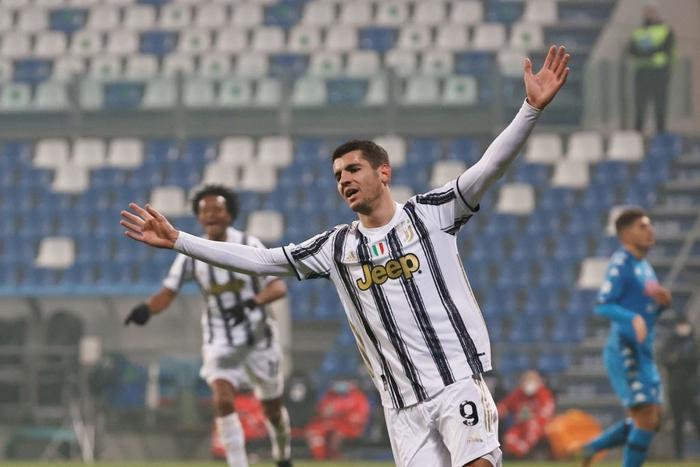 Ronaldo lại sắm vai người hùng giúp Juventus giành danh hiệu đầu tiên mùa này - Ảnh 7.