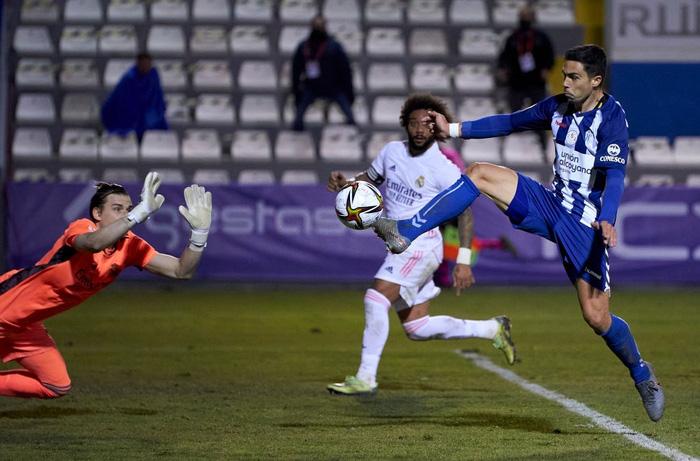 Real Madrid thua sốc đối thủ đến từ giải hạng 4 Tây Ban Nha - ảnh 10