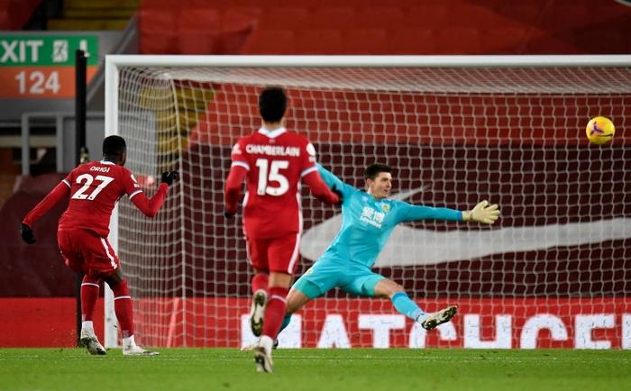 Liverpool thua sốc đối thủ không ngờ tới, chấm dứt kỷ lục bất bại kéo dài gần 4 năm - Ảnh 5.