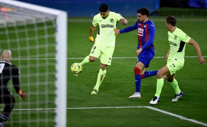 """Đội bóng La Liga """"chơi lớn"""" khi để thủ môn lên sút phạt đền - Ảnh 6."""