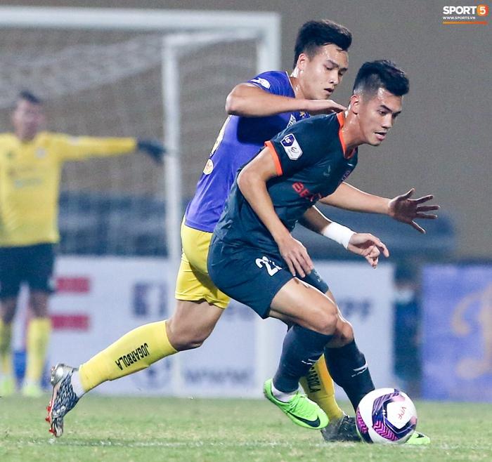 Pha bóng Tiến Linh giật gót tinh tế rồi ghi bàn hạ Hà Nội FC xứng đáng ghi vào sách giáo khoa - ảnh 5