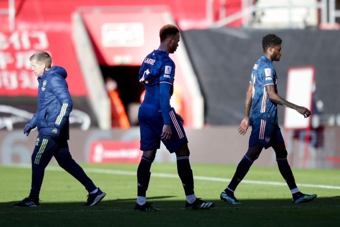Hậu vệ phản lưới nhà, Arsenal cay đắng rời FA Cup  - Ảnh 9.
