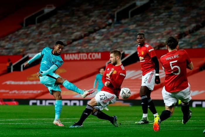 Bruno sút phạt đẳng cấp, Man Utd ngược dòng loại Liverpool khỏi cúp FA - Ảnh 4.