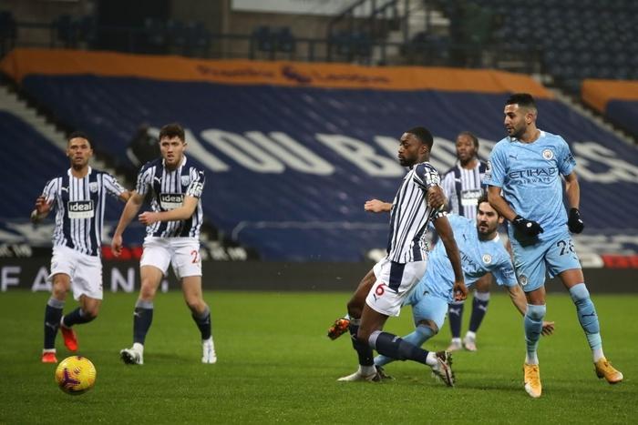 Hủy diệt đối thủ 5-0, Man City chiếm ngôi đầu của MU - ảnh 6