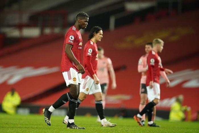 Man Utd thua sốc đội bét bảng, quăng đi cơ hội đòi lại ngôi đầu Ngoại hạng Anh - Ảnh 2.