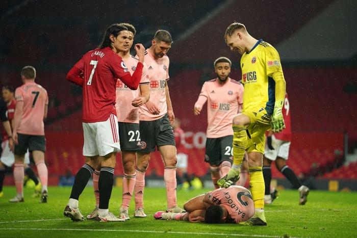 Man Utd thua sốc đội bét bảng, quăng đi cơ hội đòi lại ngôi đầu Ngoại hạng Anh - Ảnh 9.