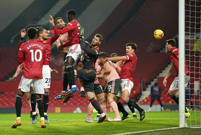 Man Utd thua sốc đội bét bảng, quăng đi cơ hội đòi lại ngôi đầu Ngoại hạng Anh - Ảnh 4.