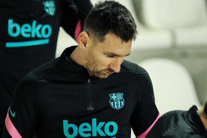 Messi tỏa sáng rực rỡ ngày trở lại giúp Barca ngược dòng vào Tứ kết cúp Nhà Vua - Ảnh 1.