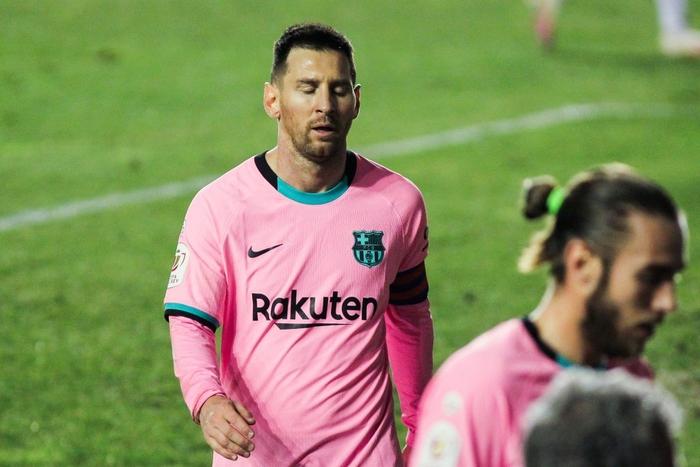 Messi tỏa sáng rực rỡ ngày trở lại giúp Barca ngược dòng vào Tứ kết cúp Nhà Vua - Ảnh 4.