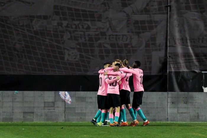 Messi tỏa sáng rực rỡ ngày trở lại giúp Barca ngược dòng vào Tứ kết cúp Nhà Vua - Ảnh 7.