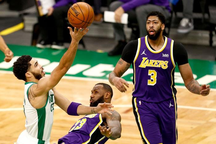 Mắc sai lầm chí mạng, Los Angeles Lakers thoát chết ngoạn mục trước Boston Celtics - Ảnh 2.