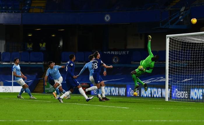 Đè bẹp Chelsea, Man City phả hơi nóng vào cuộc đua vô địch Ngoại hạng Anh - Ảnh 9.