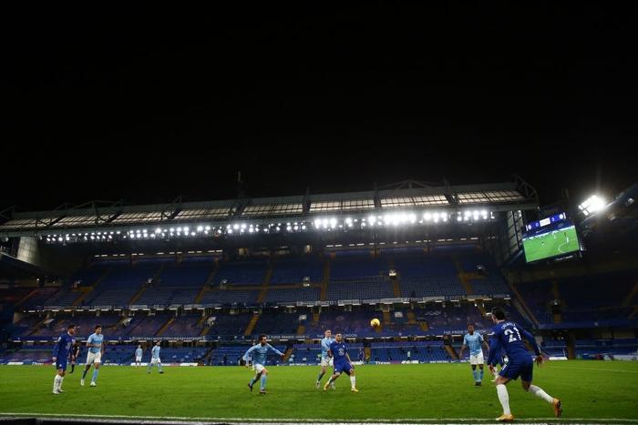 Đè bẹp Chelsea, Man City phả hơi nóng vào cuộc đua vô địch Ngoại hạng Anh - Ảnh 3.
