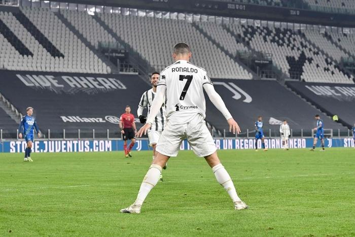 Cristiano Ronaldo lập công lớn ngày Juventus mở tiệc đầu năm - Ảnh 6.