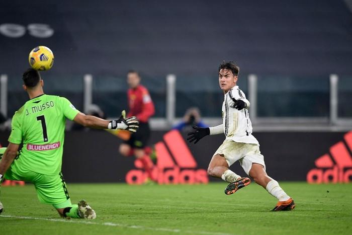 Cristiano Ronaldo lập công lớn ngày Juventus mở tiệc đầu năm - Ảnh 8.