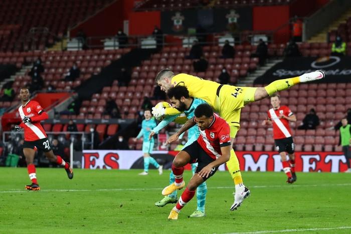 Người cũ khiến Liverpool trắng tay, trao cơ hội cướp ngôi đầu cho Man Utd - Ảnh 7.
