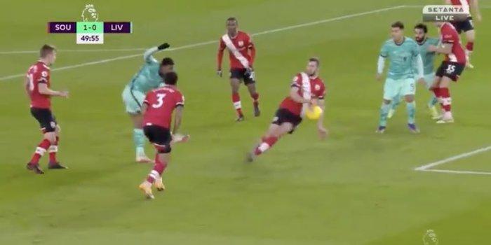 Người cũ khiến Liverpool trắng tay, trao cơ hội cướp ngôi đầu cho Man Utd - Ảnh 8.