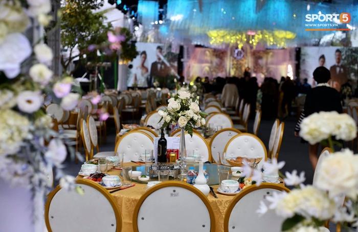 Đám cưới Tiến Dũng và Khánh Linh ở Bắc Ninh: Mời hơn 1500 khách, quà cảm ơn trao tay ngọt ngào - Ảnh 6.