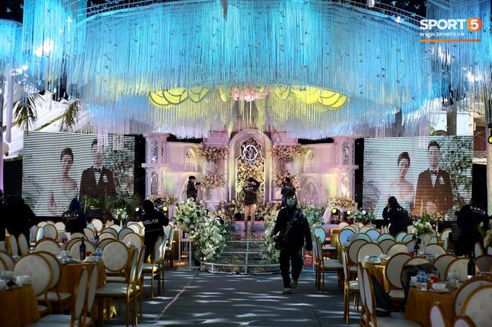 Đám cưới Tiến Dũng và Khánh Linh ở Bắc Ninh: Mời hơn 1500 khách, quà cảm ơn trao tay ngọt ngào - Ảnh 2.