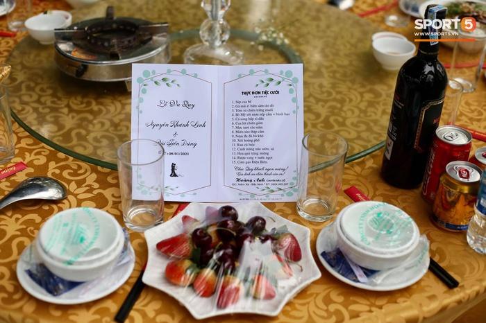 Đám cưới Tiến Dũng và Khánh Linh ở Bắc Ninh: Mời hơn 1500 khách, quà cảm ơn trao tay ngọt ngào - Ảnh 7.