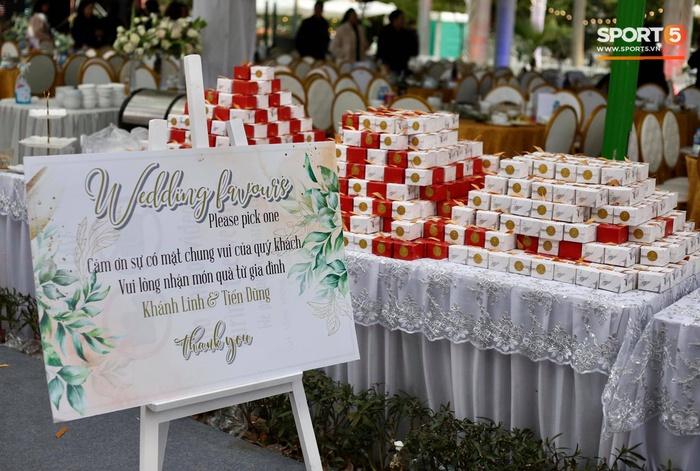Đám cưới Tiến Dũng và Khánh Linh ở Bắc Ninh: Mời hơn 1500 khách, quà cảm ơn trao tay ngọt ngào - Ảnh 5.
