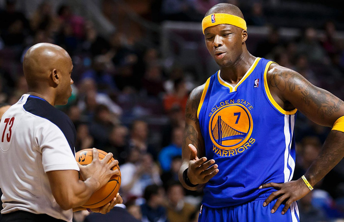Cười ra nước mắt với những trường hợp nghỉ thi đấu lạ lùng nhất NBA: Kẻ ngủ quên, người bận ăn sinh nhật - Ảnh 4.