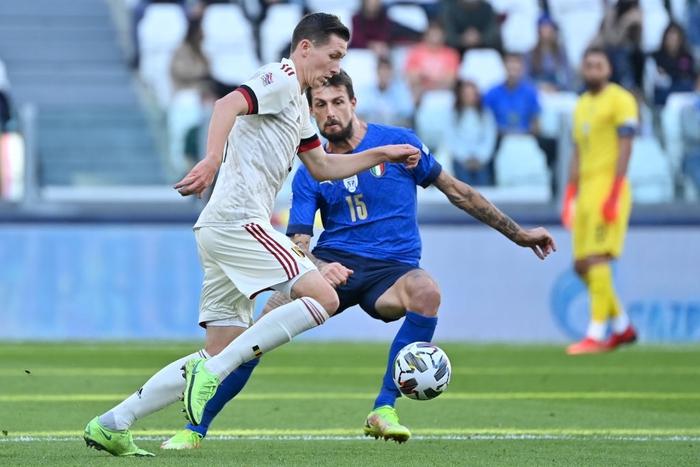 Bị xà ngang, cột dọc từ chối 3 bàn thắng, Bỉ bất lực chứng kiến Ý giành hạng 3 Nations League - Ảnh 1.