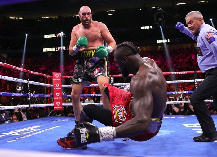 Trực tiếp tranh đai quyền Anh: Tyson Fury vs Deontay Wilder 3 - Ảnh 3.