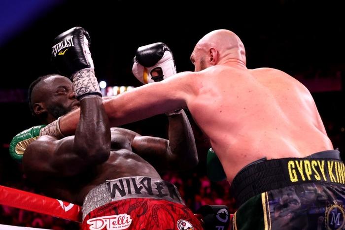 Trực tiếp tranh đai quyền Anh: Tyson Fury vs Deontay Wilder 3 - Ảnh 2.