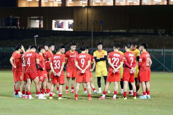 Công Phượng sơ vin bảnh bao, đội tuyển Việt Nam giải toả tâm lý trong buổi tập - Ảnh 9.