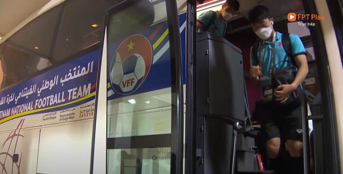 [Trực tiếp Vòng loại World Cup] Oman 2-1 Việt Nam (H2): Tiến Linh mở tỷ số dễ như ăn cháo nhưng niềm vui ngắn chẳng tày gang! - Ảnh 13.