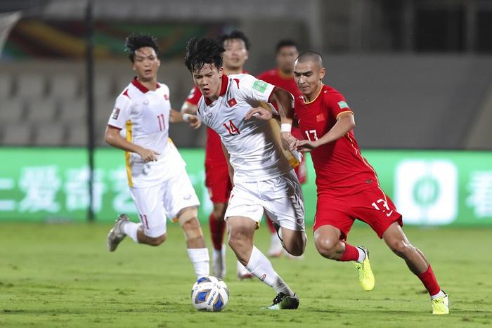 [Trực tiếp Vòng loại World Cup] Oman 2-1 Việt Nam (H2): Tiến Linh mở tỷ số dễ như ăn cháo nhưng niềm vui ngắn chẳng tày gang! - Ảnh 25.