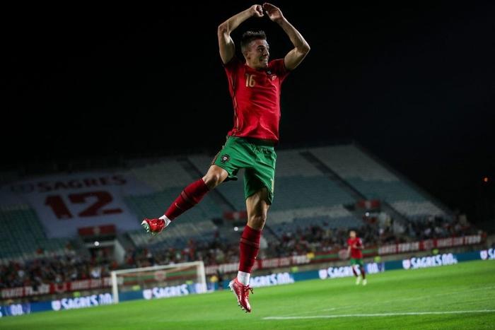Ronaldo lập hat-trick giúp Bồ Đào Nha đè bẹp Luxembourg tại vòng loại World Cup 2022 - Ảnh 5.