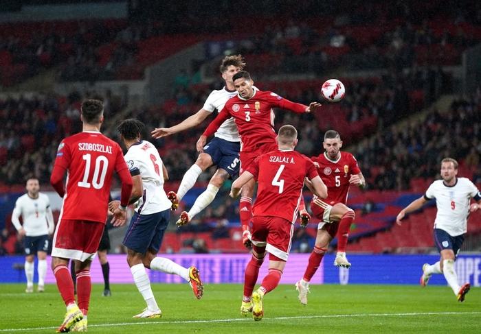Hàng công phung phí cơ hội, tuyển Anh để Hungary cầm hòa 1-1 ngay trên sân nhà - Ảnh 5.