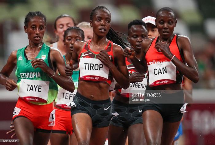 Kỷ lục gia chạy 10km người Kenya bị đâm gục tại nhà riêng  - Ảnh 1.