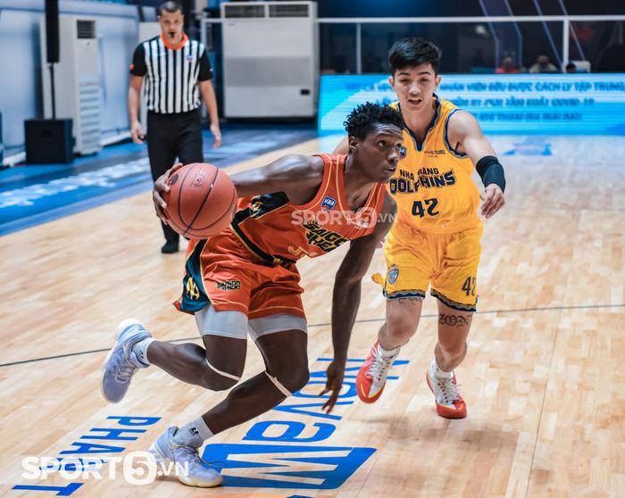 Daquan Bracey phá kỷ lục ghi điểm tại VBA đưa Saigon Heat tới thắng lợi - Ảnh 1.