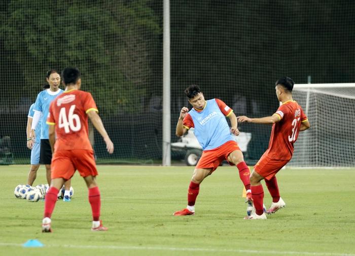 """U23 Việt Nam hào hứng tập luyện tại nơi từng được Manchester United """"bao trọn"""" - Ảnh 1."""