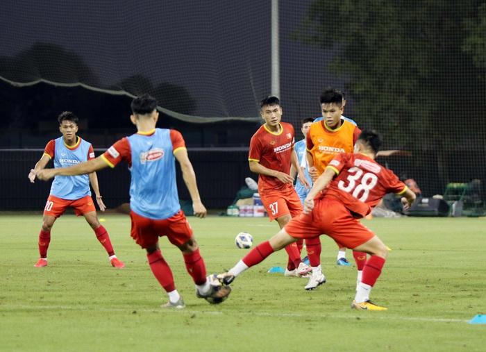 """U23 Việt Nam hào hứng tập luyện tại nơi từng được Manchester United """"bao trọn"""" - Ảnh 5."""