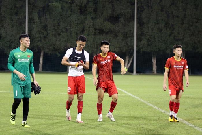 """U23 Việt Nam hào hứng tập luyện tại nơi từng được Manchester United """"bao trọn"""" - Ảnh 9."""