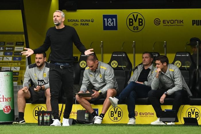 Vắng Haaland, Dortmund vất vả giành chiến thắng sát nút trước Augsburg  - Ảnh 10.