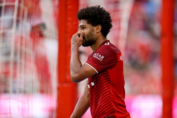 Thủ môn nam thần hóa siêu nhân khiến Bayern thua không thể tin nổi ngay trên sân nhà - Ảnh 7.