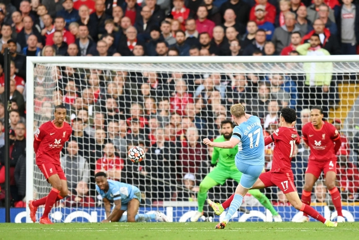 Liverpool 2-2 Man City: Salah rực sáng song không thể giúp Liverpool giành ba điểm trên sân nhà - Ảnh 13.