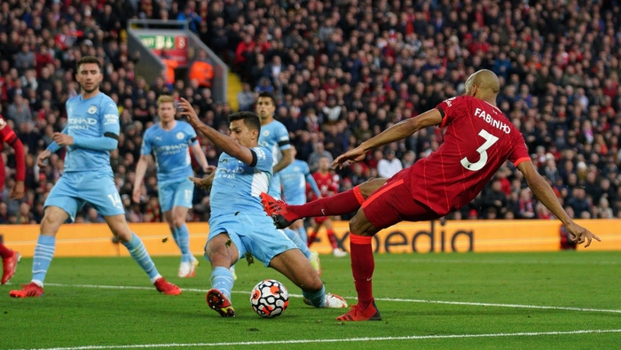 Rodri lăn xả giúp Man City thoát bàn thua ở phút cuối