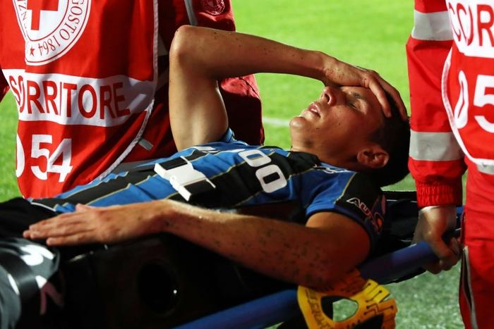 Atalanta 1-3 AC Milan: Thắng tưng bừng Atalanta, Milan bám sát Napoli trên bảng xếp hạng - Ảnh 4.