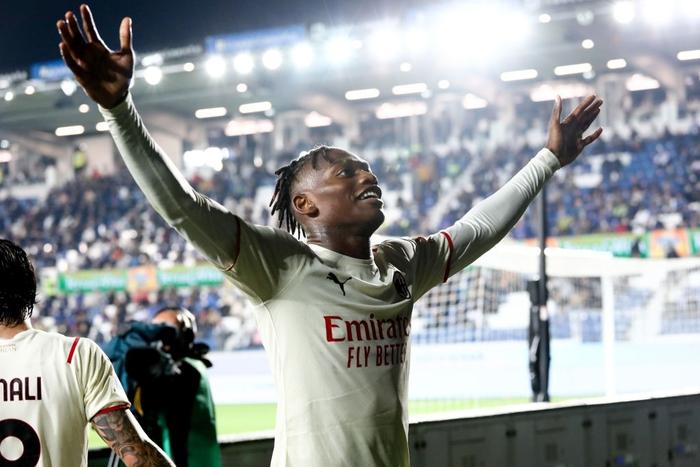 Atalanta 1-3 AC Milan: Thắng tưng bừng Atalanta, Milan bám sát Napoli trên bảng xếp hạng - Ảnh 8.