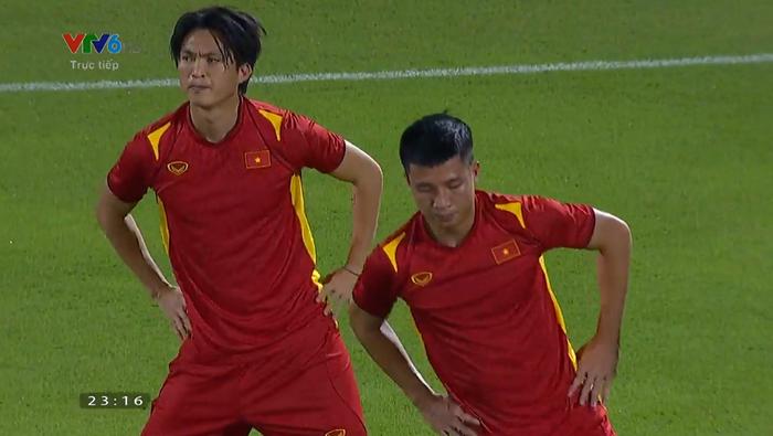 [Trực tiếp Vòng loại World Cup] Trung Quốc 0-0 Việt Nam (H1): KHÔNG VÀO! Quang Hải suýt ghi bàn từ chấm đá phạt - Ảnh 12.