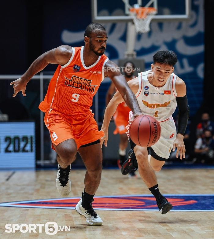Khoa Trần tiếp tục vắng mặt trong trận tái đấu tuyển bóng rổ Quốc gia và Danang Dragons - Ảnh 4.
